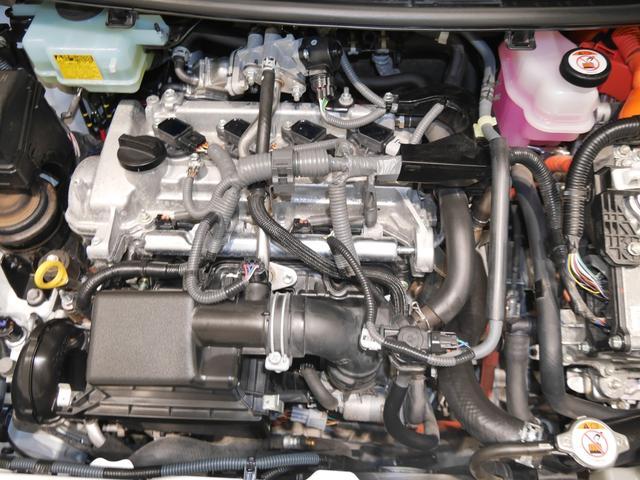 1500ccハイブリッドエンジン☆普段見えないエンジンルームもしっかり洗浄しています