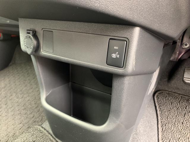 運転席シートヒーターのスイッチです。