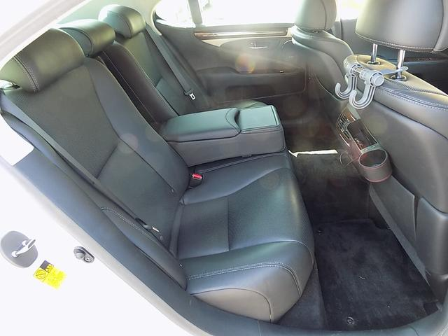 軽・コンパクトカー・ミニバン・RV・SUV・スポーツカー等、ジャンルに合わせて、50台以上在庫しております。貴方にピッタリのお車が、きっと見つかりますよ!!(TEL 011-573-4444)