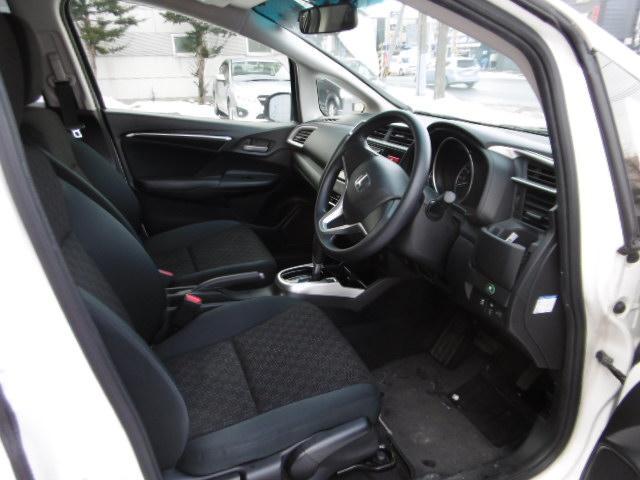 ホンダ フィット 13G・Fパッケージ 4WD 社外ナビTV