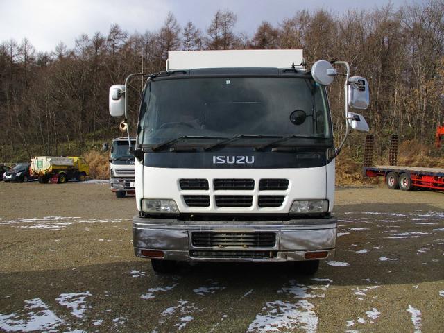 当社の車両は運輸局指定自社工場にて専門スタッフによる点検・整備後納車させていただきます。点検作業内容等に関しましては点検整備記録簿にて確認していただけます。