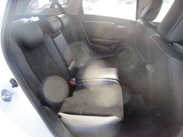 後部座席もきれいです!