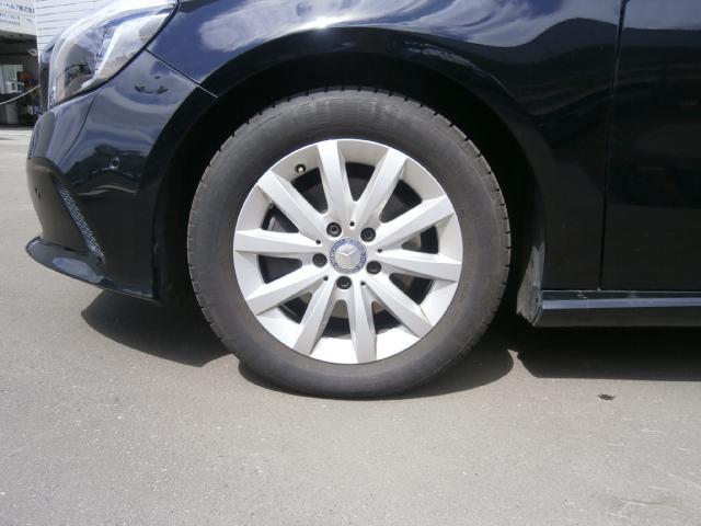新車保証継承(走行距離無制限)車検満了日まで新車保証が付帯となります。全国のベンツ正規ディーラーにて利用可能。有料にて、延長保証のオプションも御座います。詳しくは、担当営業にお問い合わせ下さい。