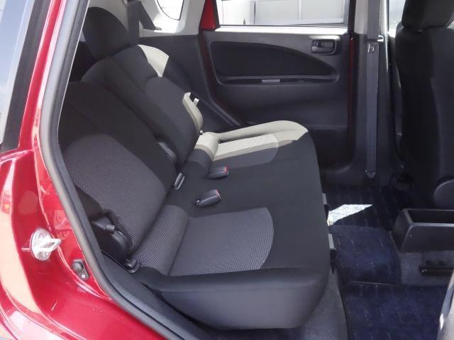 後部座席の様子 前後移動できますのでちょうど良いポジションをとる事が出来ます!