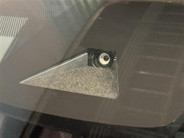 S 4WD フルセグ HDDナビ DVD再生 バックカメラ 衝突被害軽減システム ETC LEDヘッドランプ(4枚目)