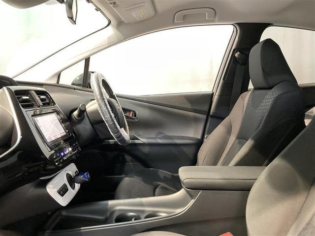 S 4WD フルセグ HDDナビ DVD再生 バックカメラ 衝突被害軽減システム ETC LEDヘッドランプ(7枚目)