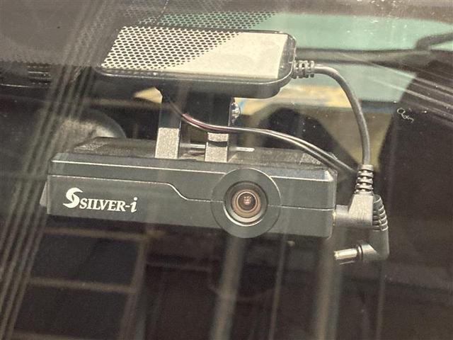 S 4WD ワンセグ メモリーナビ DVD再生 ミュージックプレイヤー接続可 バックカメラ 衝突被害軽減システム ETC ドラレコ LEDヘッドランプ(8枚目)