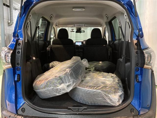 X 4WD ワンセグ メモリーナビ DVD再生 ミュージックプレイヤー接続可 バックカメラ 衝突被害軽減システム ETC ドラレコ 電動スライドドア ウオークスルー 乗車定員6人 3列シート(18枚目)