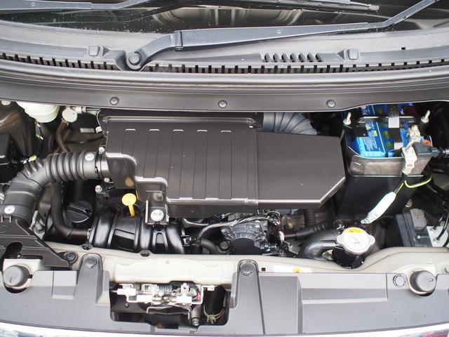 エンジンルームは清掃済み。エンジンのコンディションは良好です。