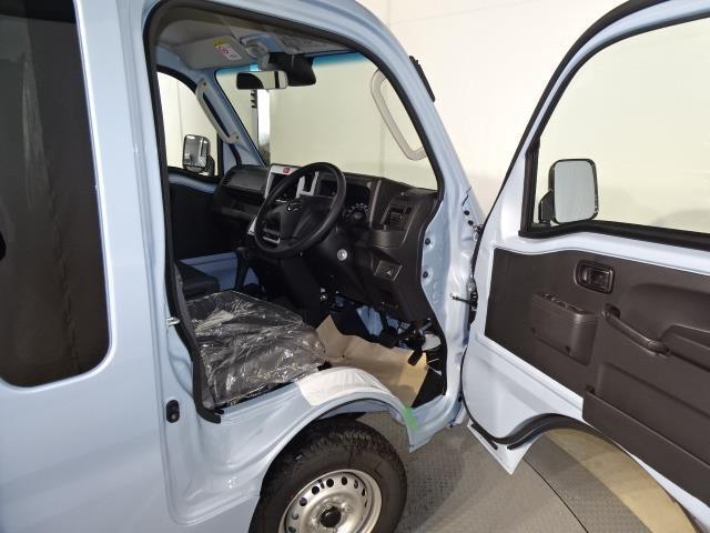 ジャンボSAIIIt 4WD 衝突軽減システム LEDヘッド 寒冷地仕様 キーレス レーンアシスト 届出済未使用車(7枚目)
