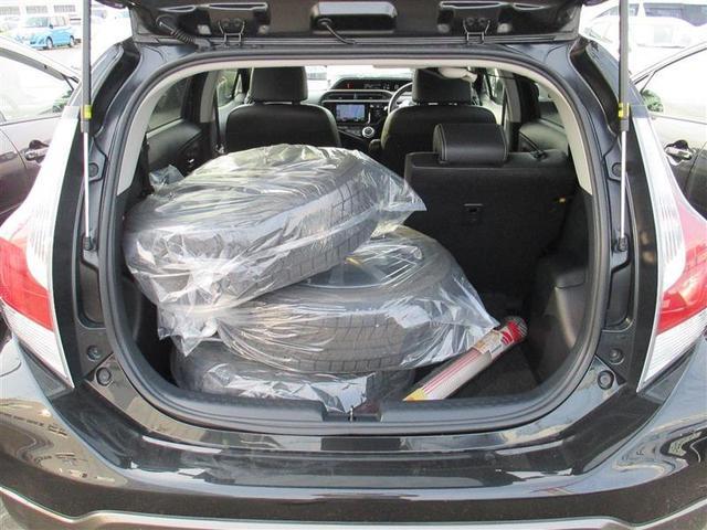 シートを倒せば驚きの広さに!大きな荷物を積むことが出来ます!