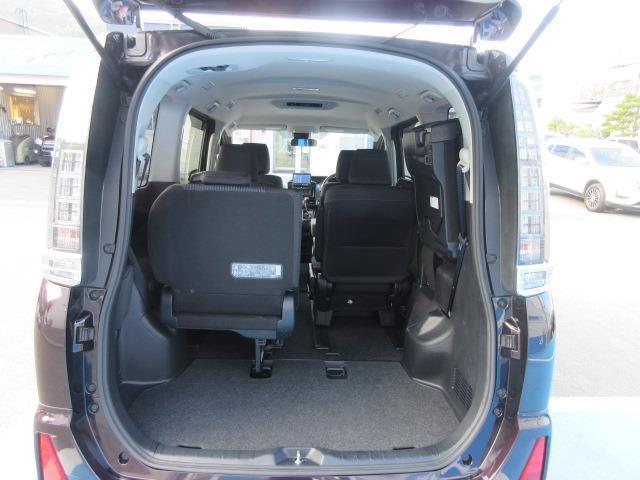 ZS 4WD DVD再生 衝突被害軽減システム 電動スライドドア LEDヘッドランプ ウオークスルー 乗車定員7人 3列シート ワンオーナー アイドリングストップ(14枚目)