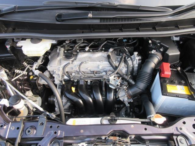 ZS 4WD DVD再生 衝突被害軽減システム 電動スライドドア LEDヘッドランプ ウオークスルー 乗車定員7人 3列シート ワンオーナー アイドリングストップ(17枚目)