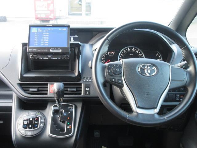 ZS 4WD DVD再生 衝突被害軽減システム 電動スライドドア LEDヘッドランプ ウオークスルー 乗車定員7人 3列シート ワンオーナー アイドリングストップ(18枚目)