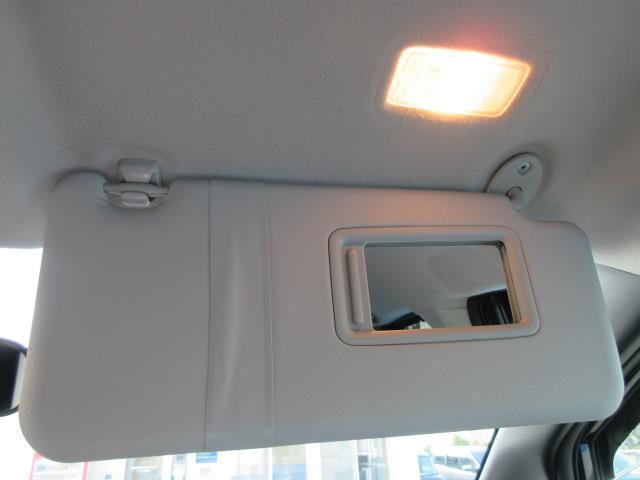 ZS 4WD DVD再生 衝突被害軽減システム 電動スライドドア LEDヘッドランプ ウオークスルー 乗車定員7人 3列シート ワンオーナー アイドリングストップ(22枚目)