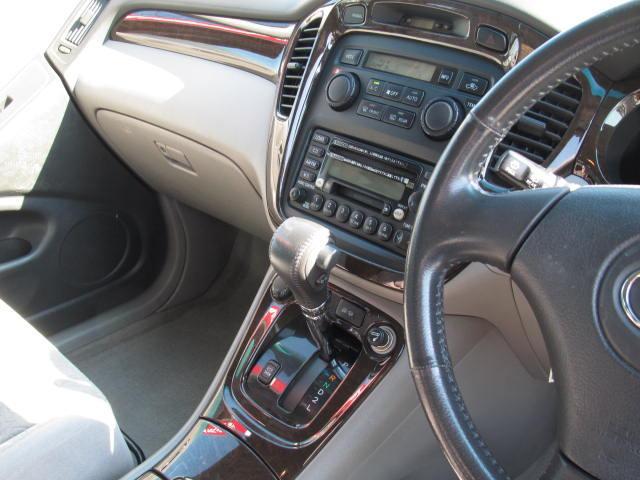 トヨタ クルーガーV FOUR Gパッケージ 4WD