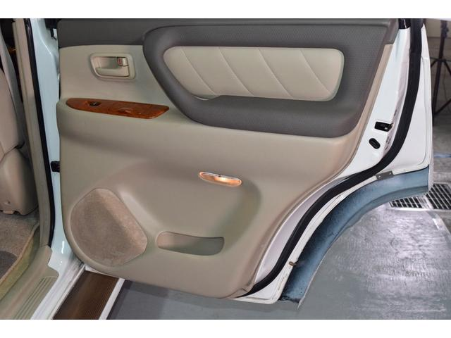「トヨタ」「ランドクルーザー100」「SUV・クロカン」「北海道」の中古車45
