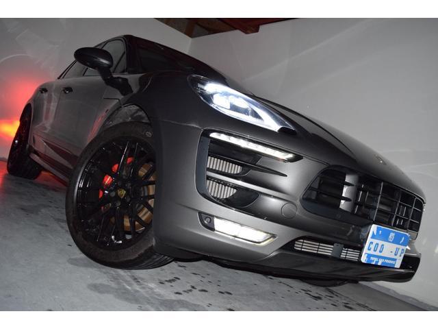 マカンGTS ターボ・4WD・純正SDナビ・サイド・バックカメラ・BOSEサウンド・パワーシート・シートヒーター・エンボス加工シート・パークセンサー・本州仕入(5枚目)