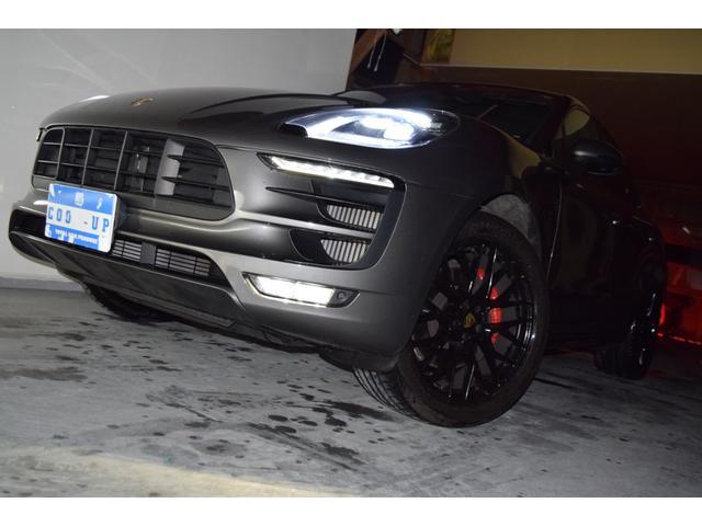 マカンGTS ターボ・4WD・純正SDナビ・サイド・バックカメラ・BOSEサウンド・パワーシート・シートヒーター・エンボス加工シート・パークセンサー・本州仕入(6枚目)