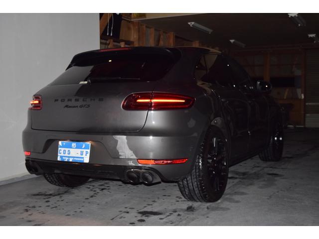 マカンGTS ターボ・4WD・純正SDナビ・サイド・バックカメラ・BOSEサウンド・パワーシート・シートヒーター・エンボス加工シート・パークセンサー・本州仕入(18枚目)