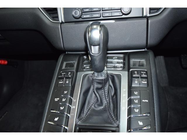 マカンGTS ターボ・4WD・純正SDナビ・サイド・バックカメラ・BOSEサウンド・パワーシート・シートヒーター・エンボス加工シート・パークセンサー・本州仕入(62枚目)