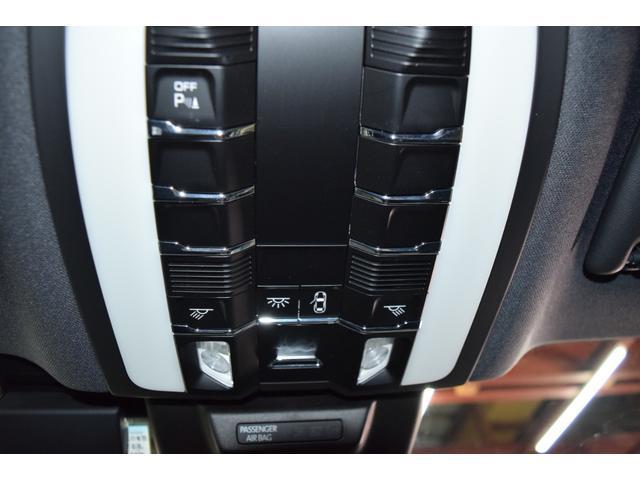 マカンGTS ターボ・4WD・純正SDナビ・サイド・バックカメラ・BOSEサウンド・パワーシート・シートヒーター・エンボス加工シート・パークセンサー・本州仕入(63枚目)