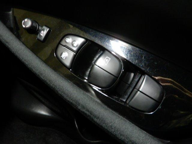 「日産」「リーフ」「コンパクトカー」「北海道」の中古車37