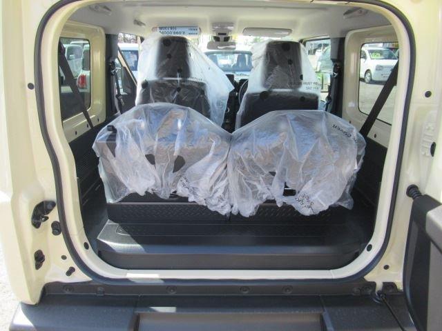 XL セーフティサポート 届出済未使用車 MT車 4WD フロアマット付 ABS スマートキー(9枚目)