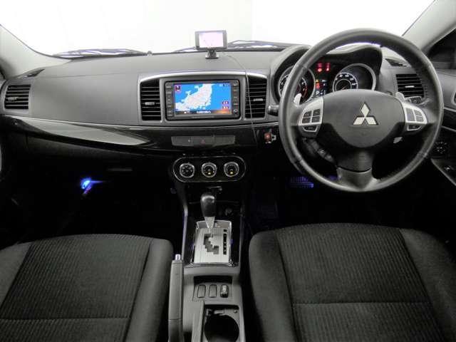 スポーツ 寒冷地仕様 パドルシフト ETC 横滑り防止機能 切替式4WD ドライブレコーダー(2枚目)