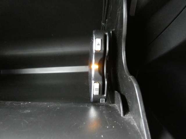 スポーツ 寒冷地仕様 パドルシフト ETC 横滑り防止機能 切替式4WD ドライブレコーダー(19枚目)
