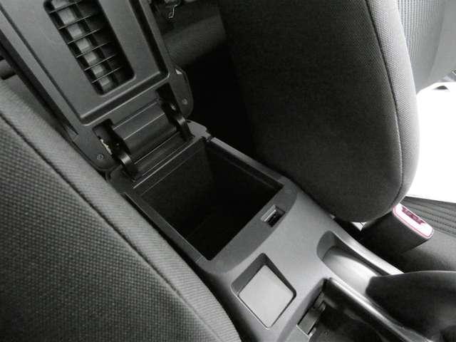 スポーツ 寒冷地仕様 パドルシフト ETC 横滑り防止機能 切替式4WD ドライブレコーダー(26枚目)