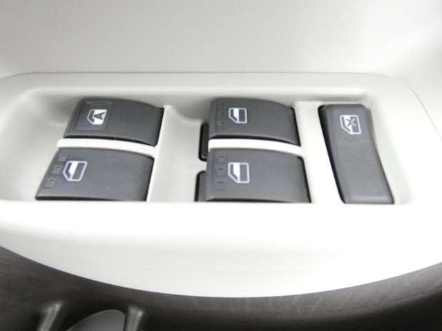 プラスハナ CDオーディオ/積み込みスタッドレスタイヤ/キーレスエントリー/ベンチシート/電動格納式ミラー/4WD(18枚目)
