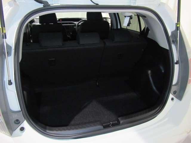 ☆荷室☆シートを立てた状態でもしっかり荷物を積み込めます!