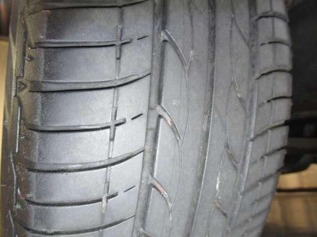 ☆装着タイヤ☆タイヤ溝もしっかりあります!