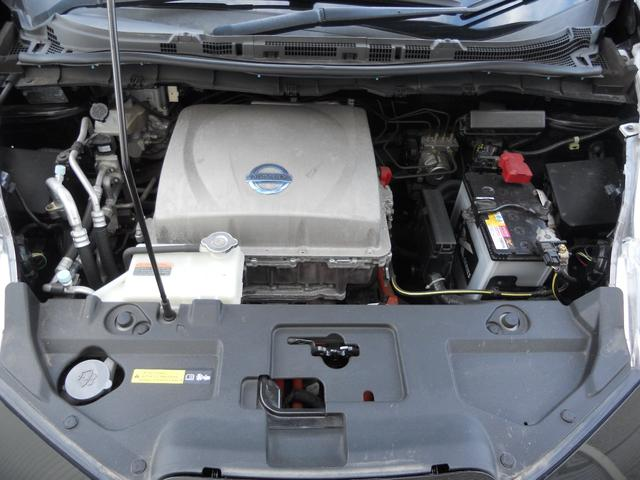 X エマージェンシーブレーキ 衝突軽減ブレーキ 横滑り防止装置 純正ナビ+Bluetooth付+フルセグTV+バックカメラ スマートキー LEDヘッドランプ シート+ハンドルヒーター 電動格納ドアミラー(17枚目)