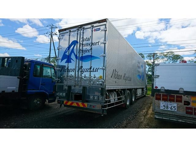 UDトラックス クオン 増t 冷蔵冷凍車