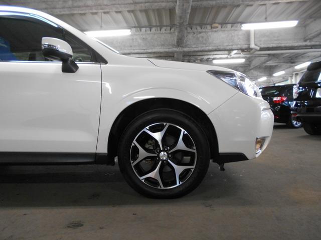 SUBARU認定中古車には、「スバル安心保証」全国のスバルディーラー対応保証が無償で付いております。またアイサイト付車には、2年間走行無制限でお客様のカーライフをサポート致します。