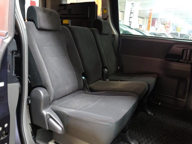 X 4WD 純正ナビ フルセグTV 寒冷地仕様 ETC 社外アルミ フォグランプ 8人乗り 禁煙車(24枚目)