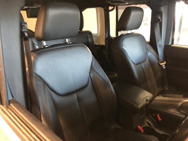 「その他」「クライスラージープ ラングラーアンリミテッド」「SUV・クロカン」「北海道」の中古車14