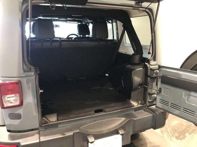 「その他」「クライスラージープ ラングラーアンリミテッド」「SUV・クロカン」「北海道」の中古車16