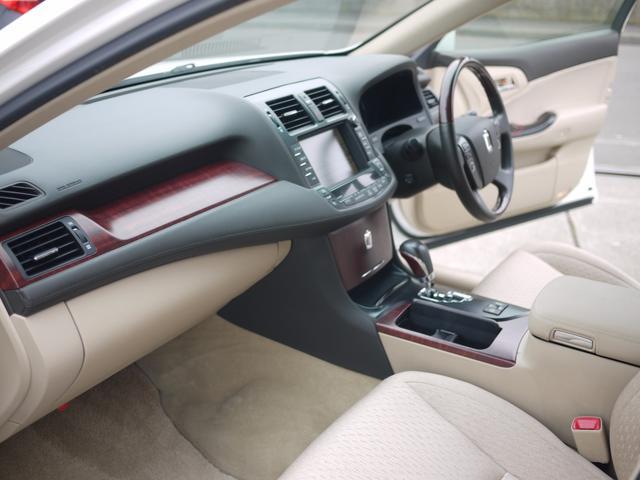 トヨタ クラウン ロイヤルサルーンi-Four 4WD グー鑑定書付