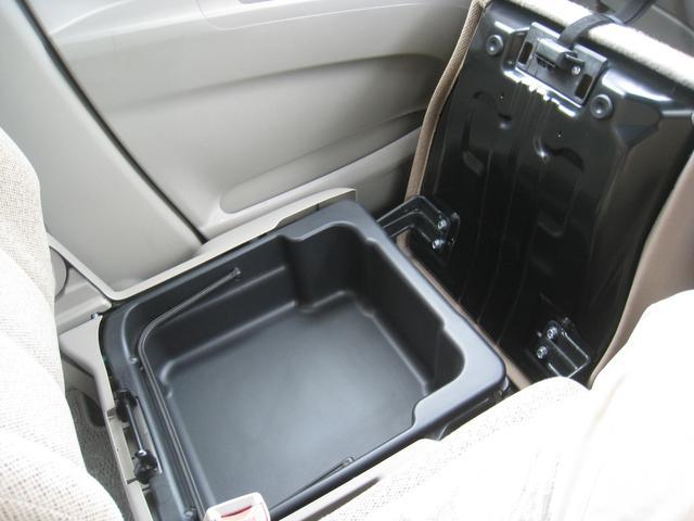 G 4WD ワンオーナーHDDナビ(18枚目)