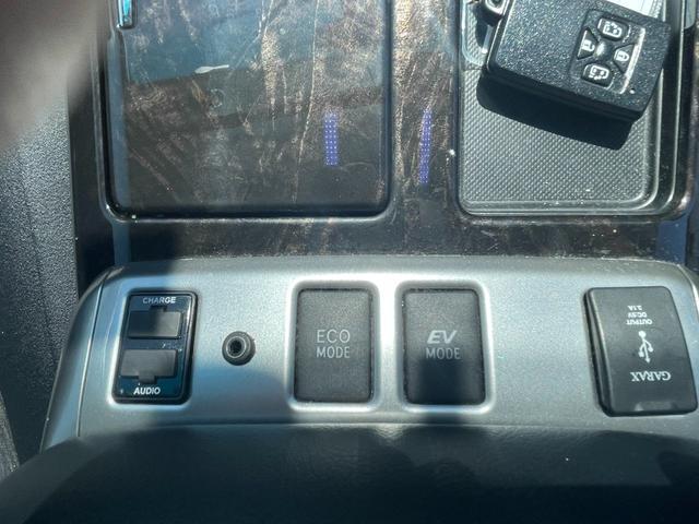 ZR 4WD ワンオーナー スマートキー SDナビTV バックカメラ モデリスタエアロ リアモニター パワーシート ETC HID(32枚目)