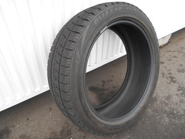 冬タイヤ付いてます!ただホイールは付いておりません。。。ホイールのお見積もできますのでお気軽にご相談ください!