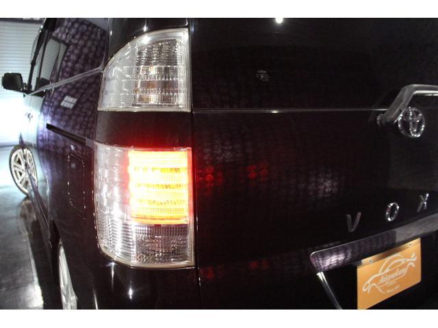 トヨタ ヴォクシー Z 煌 HDDナビTV 4WD Wパワードア 外18AW
