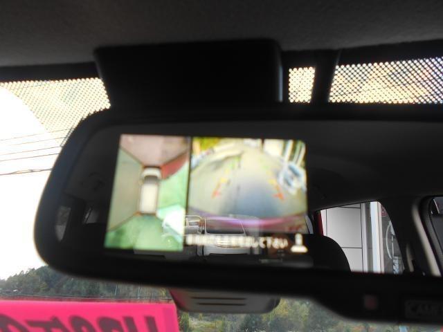「アラウンドビューモニター」装備なので上から見下ろす感覚で駐車することが出来ます。