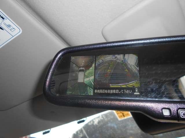 運転席&助手席   運転席にはシートリフター(高さ調整機能)付き! 中央部にはアームレスト(肘掛)を装備。 運転席にはシートヒーターを装備!助手席シート下には前後から引き出せる大きな収納部☆