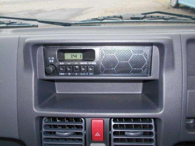 AM/FMラジオを装備。