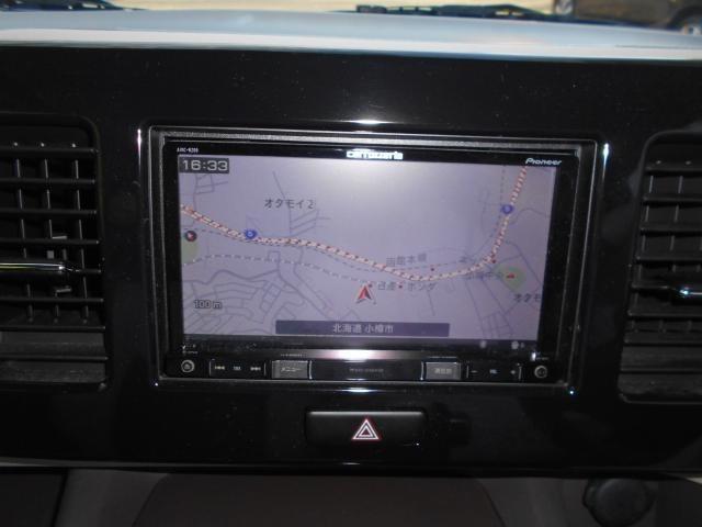 ナビはメモリーナビを装備。 CD/DVD/ラジオ・Bluetooth接続・フルセグ等多機能なナビです。