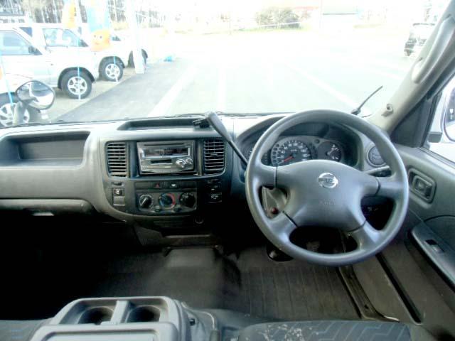 4WD 3.0ディーゼルターボ ロングDX 6人乗り(12枚目)